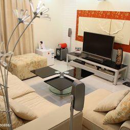 家装三居室婚房暖色调客厅简约电视柜效果图