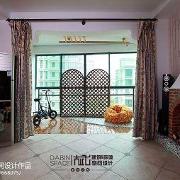 家装简欧小客厅和阳台打通放置小物品设计图片