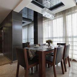 现代家装餐厅黑镜天花吊顶水晶灯装修效果图