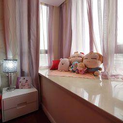 现代风格两室一厅卧室飘窗窗台效果图