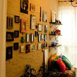 时尚混搭风儿童书房及墙壁挂画设计