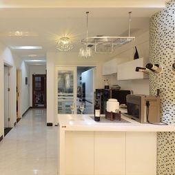 现代厨房过道装修效果图