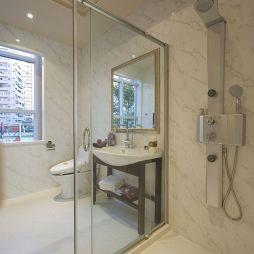 欧式小户型卫生间玻璃隔断墙效果图