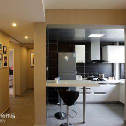 现代简约风格家装厨房隔断装修图片