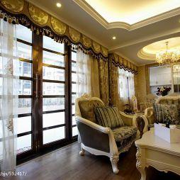 欧式三居室家装客厅窗帘装修图片