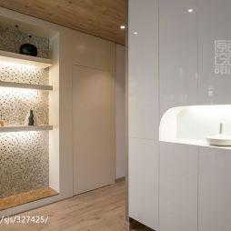 现代风格家庭玄关鞋柜装修图片
