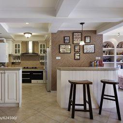 混搭厨房带吧台餐厅装修设计效果图