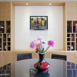 现代简约复式餐厅酒架装修设计效果图