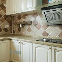 美式风格复式楼小型开放式厨房装修设计效果图