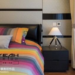 休闲现代风格床头柜装修设计