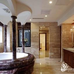 中式别墅卫生间浴池图片
