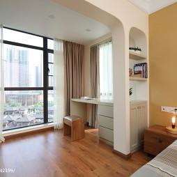 现代简约风卧室隔断书桌装修效果图大全