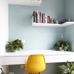 现代风格书房书桌装修图片