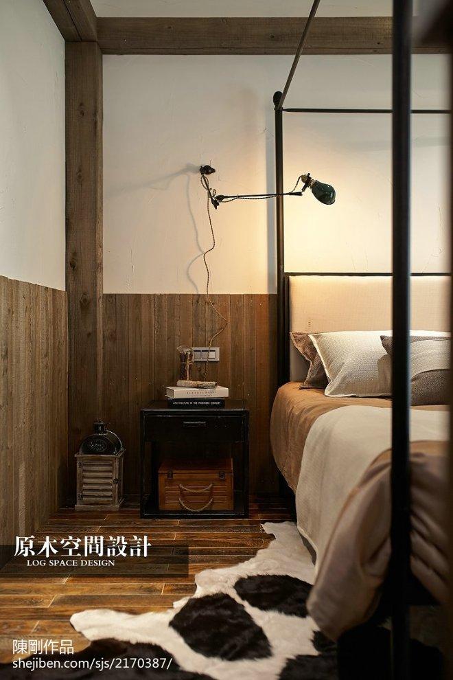混搭卧室木地板装修效果图