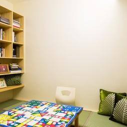 现代风格书房书柜图
