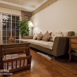 美式风格客厅家具摆设装修图