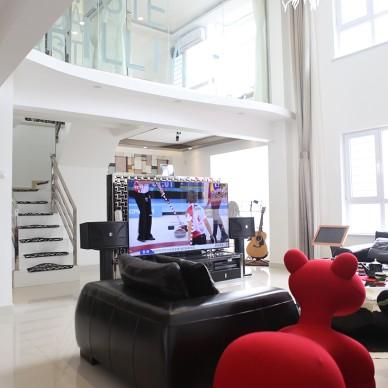 复式楼现代客厅装修设计效果图