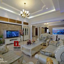 欧式风格复式楼客厅电视墙装修设计