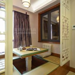现代中式阳台榻榻米装修设计
