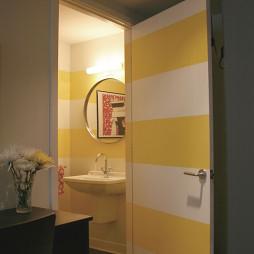 卧室房间门装饰图片