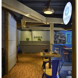 混搭风格中餐厅二楼过道装修设计