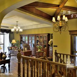 复式楼美式楼梯装修设计