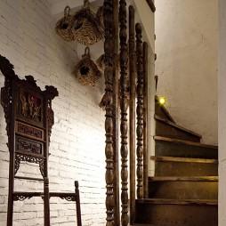 混搭中式复古饭店楼梯设计