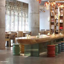时尚快餐厅博古架设计