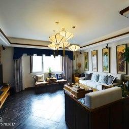 三居中式客厅吊顶设计
