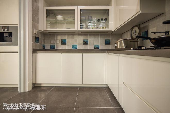 现代简约风格厨房效果图集欣赏