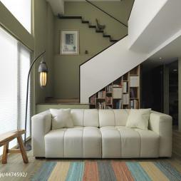 现代风客厅楼梯设计