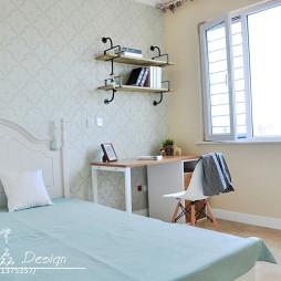 二居室美式简约卧室置物架装修效果图