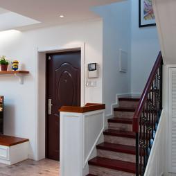 复式楼美式楼梯设计