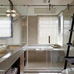 混搭风格卫生间玻璃隔断装修设计图片