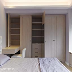 现代风格卧室衣帽间装修设计图片