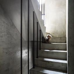 46坪混搭楼梯装修设计