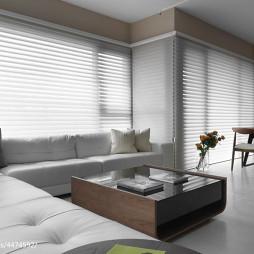 45平现代客厅落地窗设计