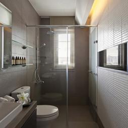 混搭风格卫生间玻璃隔断设计