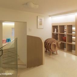 二居室现代过道置物架装修