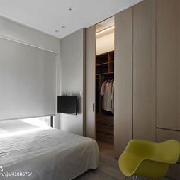 三居室混搭卧室衣橱设计图片