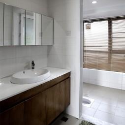 混搭卫生间浴柜样板间设计