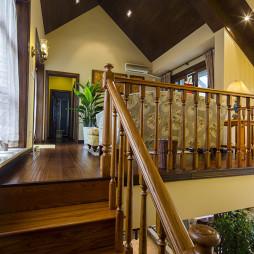 美式风格别墅楼梯设计