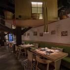公装典雅餐饮空间餐桌设计