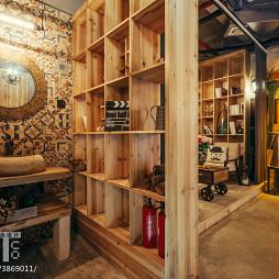混搭复古咖啡厅博古架设计