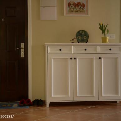 暖色调美式玄关装修设计