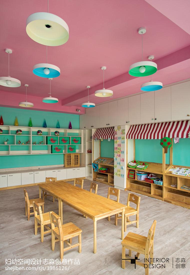 幼儿园教室壁柜装修图片