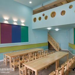 时尚幼儿园课桌效果图装修
