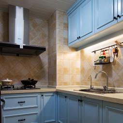 美式厨房橱柜装饰图