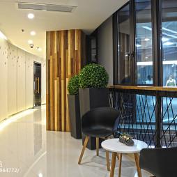 创意办公楼走廊装修案例