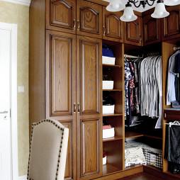 轻奢美式田园风格衣柜设计案例